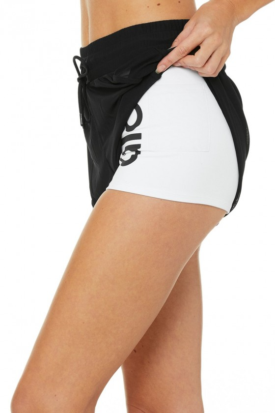 Жіночі шорти Ambience White / Black / ALO / BLack