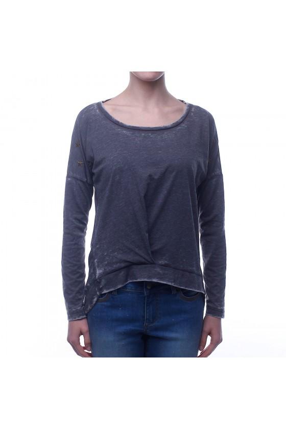 Женская футболка oversize с аппликацией на плечах серая