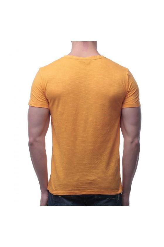 Футболка с  логотипом на груди желтая