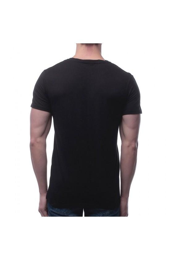 Футболка с  графическим принтом на груди черная